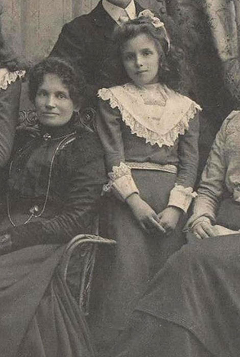 Rosalie with her mother in a family portrait, about 1899.